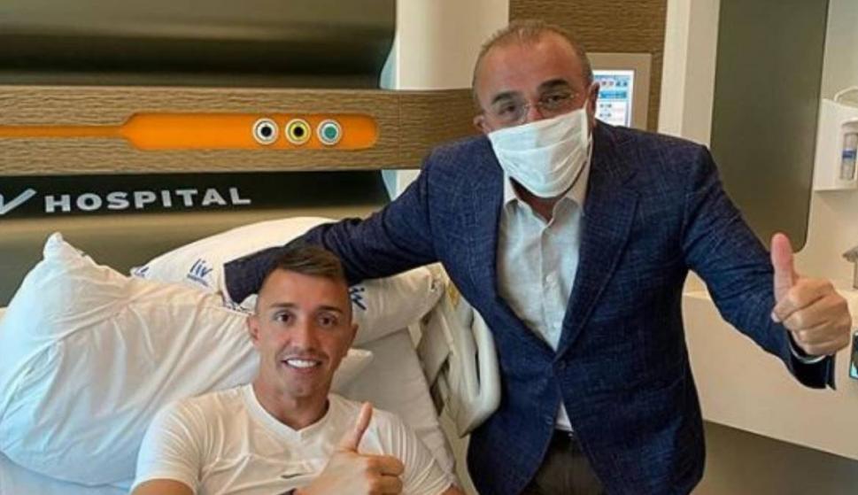 Fernando Muslera fue operado de la fractura de tibia y peroné. Foto: Twitter.
