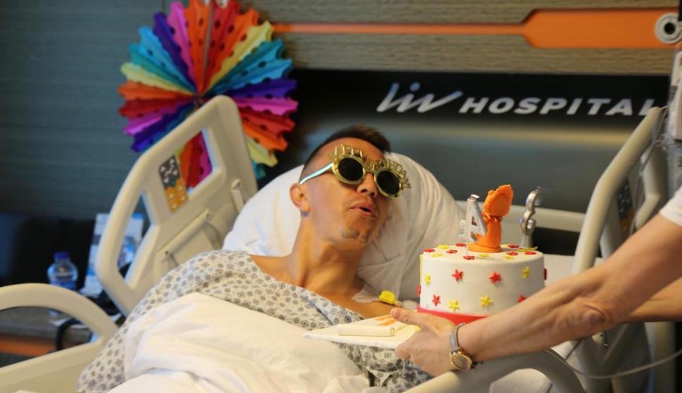 Fernando Muslera celebrando su cumpleaños en el hospital. Foto: @GalatasaraySK.