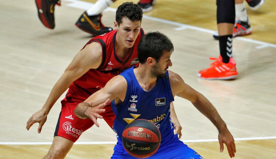 Bruno Fitipaldo en la victoria del San Pablo Burgos en la Liga ACB. Foto: EFE.