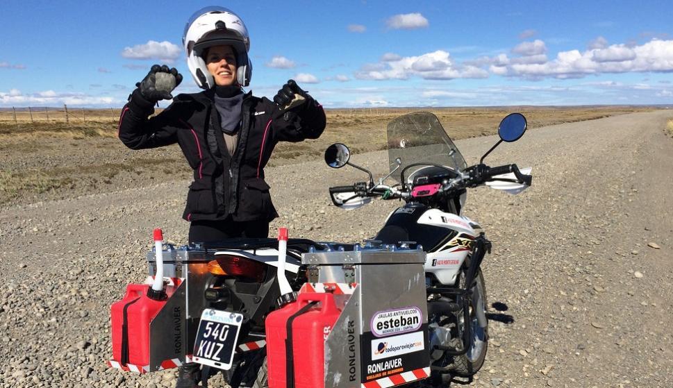 Guadalupe Araoz se lanzó a la aventura con su moto y un escaso presupuesto.