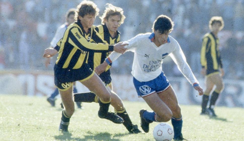 Peñarol vs. Nacional. Foto: Archivo El País.