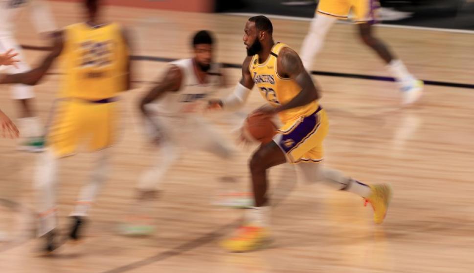 LeBron James fue figura en final fantástico de Lakers-Clippers