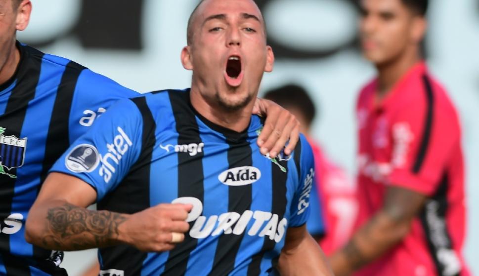 Nacional llegó a un acuerdo con Christian Almeida y el defensa será jugador tricolor