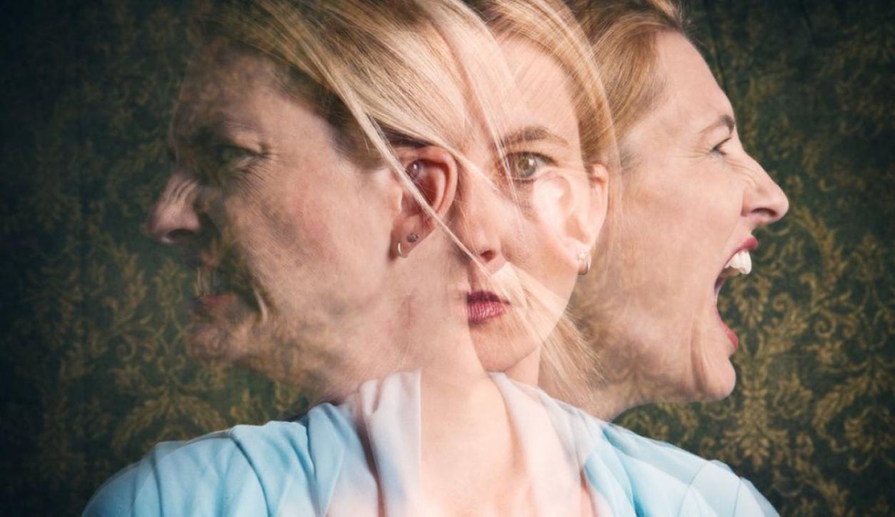 Mujer con diversos sentimientos.
