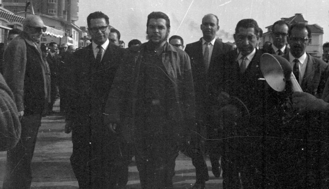 Enresto Che Guevara llega a Montevideo. Foto: El País