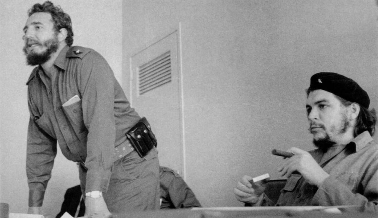 Ernesto Che Guevara y Fidel Castro.  Foto: Archivo El País