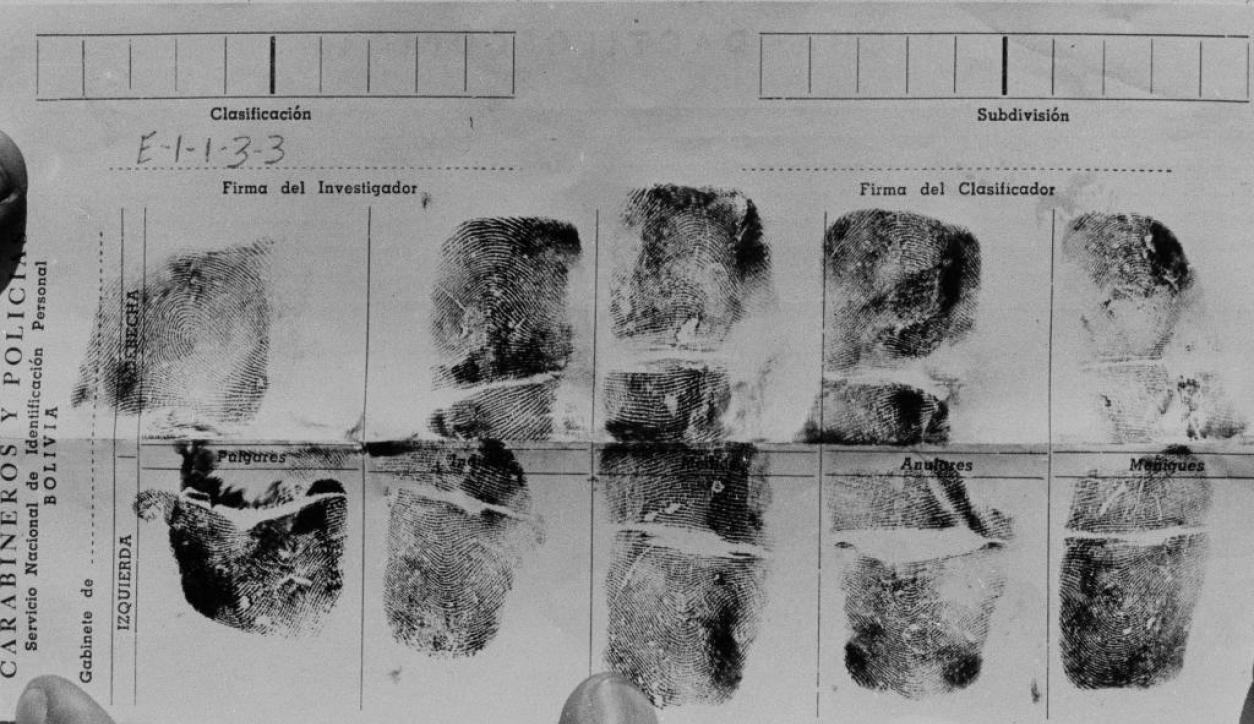 Las huellas dactilares del Che una vez asesinado. Foto: Archivo El País
