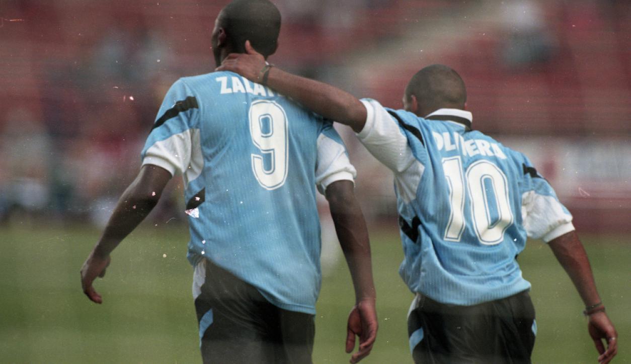 La selección Sub20 de Uruguay ante el combinado de Estados Unidos. Foto: José Luis Bello