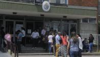 Largas filas en UTU. Foto: A. Colmegna