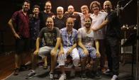 Postal: el trío Linetzky y su equipo en la grabación del disco. Foto: Difusión