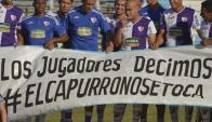Manifestaciones: los jugadores en el partido del domingo contra Nacional. Foto: G. Pérez