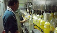U. La cooperativa elabora el popular refresco hace 15 años. Foto: Cofuesa.
