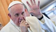 Misa: el papa Francisco ayer en su último día en Suecia. Foto: AFP