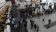 El 60% de los universitarios piensa en emigrar al terminar la carrera. Foto: Archivo El País