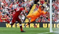 Daniel Sturridge convierte frente al Arsenal. Foto: Reuters