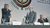 Reconocimiento. Ante la presencia de Bach, Maglione fue elegido presidente vitalicio. Foto: Ricardo Figueredo