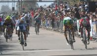 Llegada. Pablo Anchieri embaló y se quedó con la décima etapa en la Ciudad de la Costa. Foto: Francisco Flores