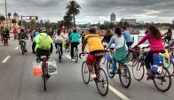 La movida de los ciclistas se topó con animalistas que enseñan las uñas. Foto: Masa Crítica