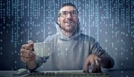 Conectados. Con el auge de Internet de las Cosas, la información relacionada a los hábitos y estados fisiológicos de las personas crece exponencialmente. (Foto: Shutterstock)