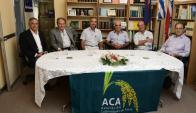 Expresidente y actuales directivos de ACA festejaron camino de logros. Foto .M .Bonjour