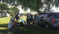 Se rueda: el equipo durante una pausa en la filmación. Foto: Luis Pérez