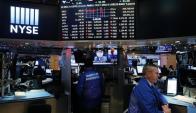 Wall Street: operador trabajando en la bolsa de Nueva York. Foto: Reuters