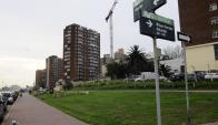 La idea era poner el parking frente a donde se proyectan construcciones del puerto de Buquebús. Foto: D. Borrelli