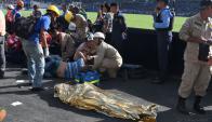 Debió ser una fiesta de fútbol, pero cuatro personas perdieron la vida por una avalancha. Foto: AFP