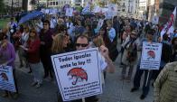 """Protesta: los """"cincuentones"""" han realizado varias movilizaciones. Foto: F. Ponzettto"""