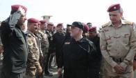 Haider Al Abadi en su llegada a Mosul. Foto: Twitter @HaiderAlAbadi
