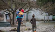 Carolina volvió a su casa 28 días después, lo hizo con sus hijos y sin su esposo, que igual que ella, no tiene trabajo. Foto: G. Fiorelli