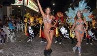 El desfile de estrellas uruguayas y argentinas es un ingrediente del Carnaval. Foto: N. Araújo