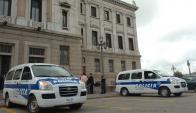 Policía en el Parlamento. Foto: Archivo