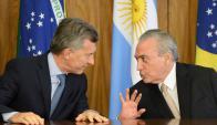 El presidente argentino, Mauricio Macri, pasará la presidencia a su par brasileño. Foto: AFP