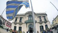 Oposición preocupada por señal que se da con aumentos en medio de reforma. Foto: F. Ponzetto