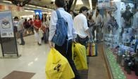 El volumen del gasto en consumo final viene reduciéndose. Foto: Archivo El País