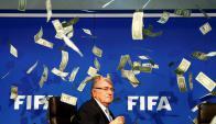 Joseph Blatter recibió una lluvia de dinero