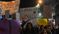 Cientos marcharon en rechazo de la violencia de género. Foto: F. Ponzetto
