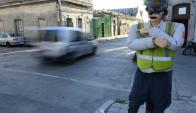 Riquelme, el inspector hecho de polyfom en la zona de Belvedere. Foto: M. Bonjour