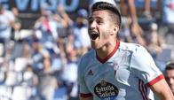 Maximiliano Gómez celebrando una de sus dos conquistas ante Real Sociedad. Foto: Prensa Celta de Vigo.