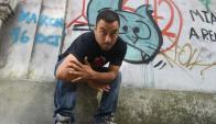 Inquieto: el 20 de abril, Santi Mostaffá se presenta en Bluzz Bar.  Foto: F. Flores