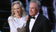 Dunaway y Beatty, sonrisas nerviosas en la ceremonia de los Oscar de este año. Foto: Reuters
