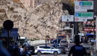 Vehículo embistió dos paradas en Marsella; hay una víctima mortal. Foto: AFP.