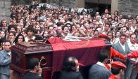 Miles de españoles despidieron a Miguel Ángel Blanco en 1997. Foto: AFP