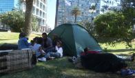 Familia siria que acampó en Plaza Independencia tiene asignadas 35 hectáreas. Foto: F. Flores