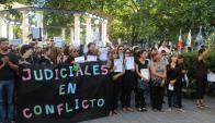 Los funcionarios tienen a su favor una sentencia de inconstitucionalidad. Foto: F. Flores
