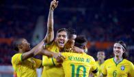 Firmino celebra su gol con Brasil. Foto: Reuters.