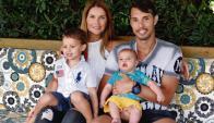 Fabian Carini junto a su familia. Foto: Ricardo Figueredo