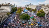 El centro de Buenos Aires fue tomado por la manifestación de los docentes. Foto: La Nación