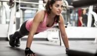 Mujer haciendo ejercicio. Foto: iStock